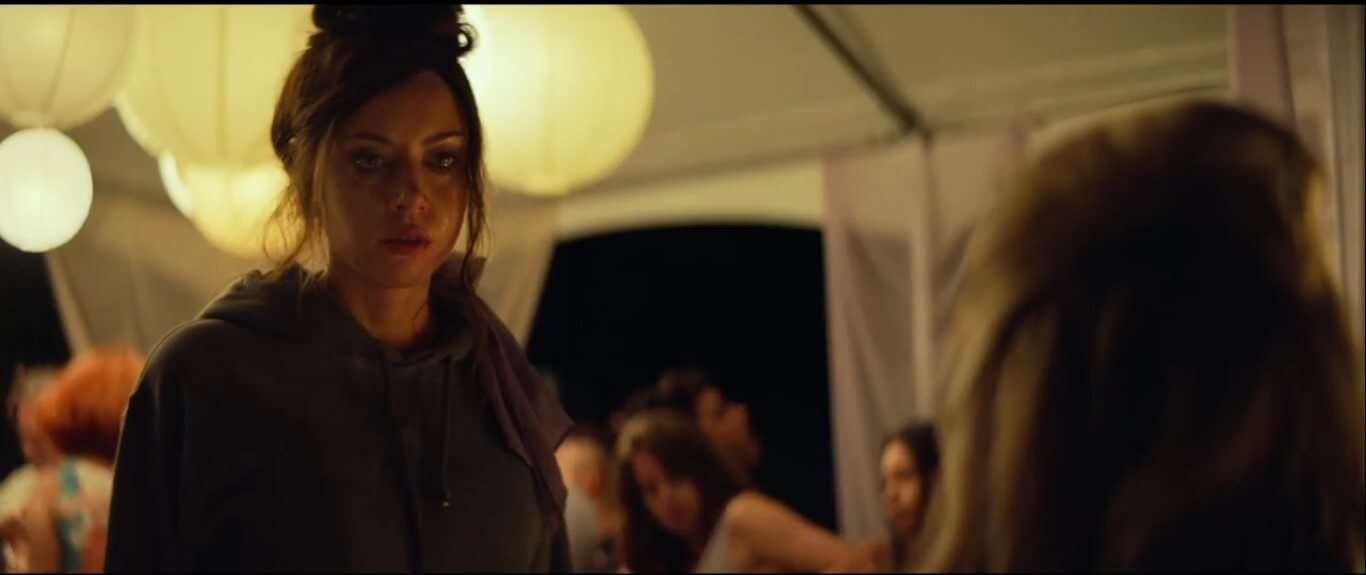 ingrid-goes-west-ingrid-first-scene