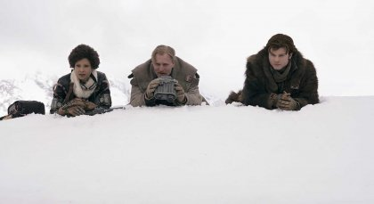 Woody Harrelson, Thandie Newton, and Alden Ehrenreich in Solo A Star Wars Story (2018) Review
